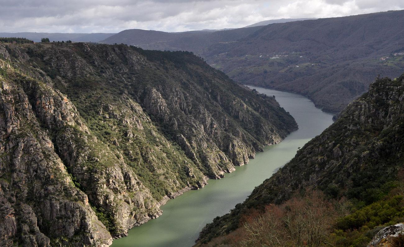 Río_Sil,_desde_el_mirador_de_los_Balcones_de_Madrid_-_WLE_Spain_2015_(1)
