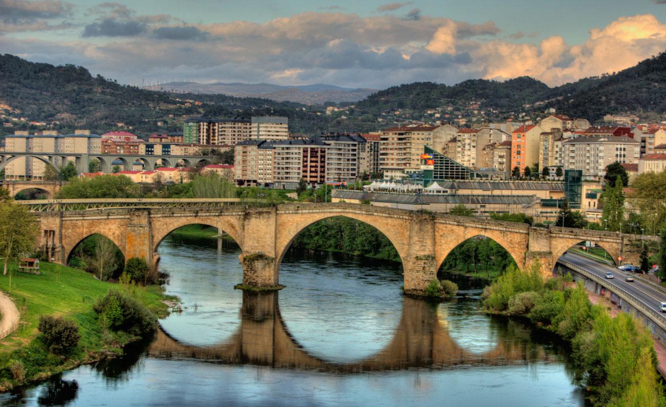 Roman_bridge,_Ourense_(Spain)